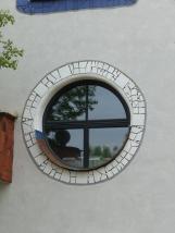 Hundertwasser Schule in Wittenberg Fenster